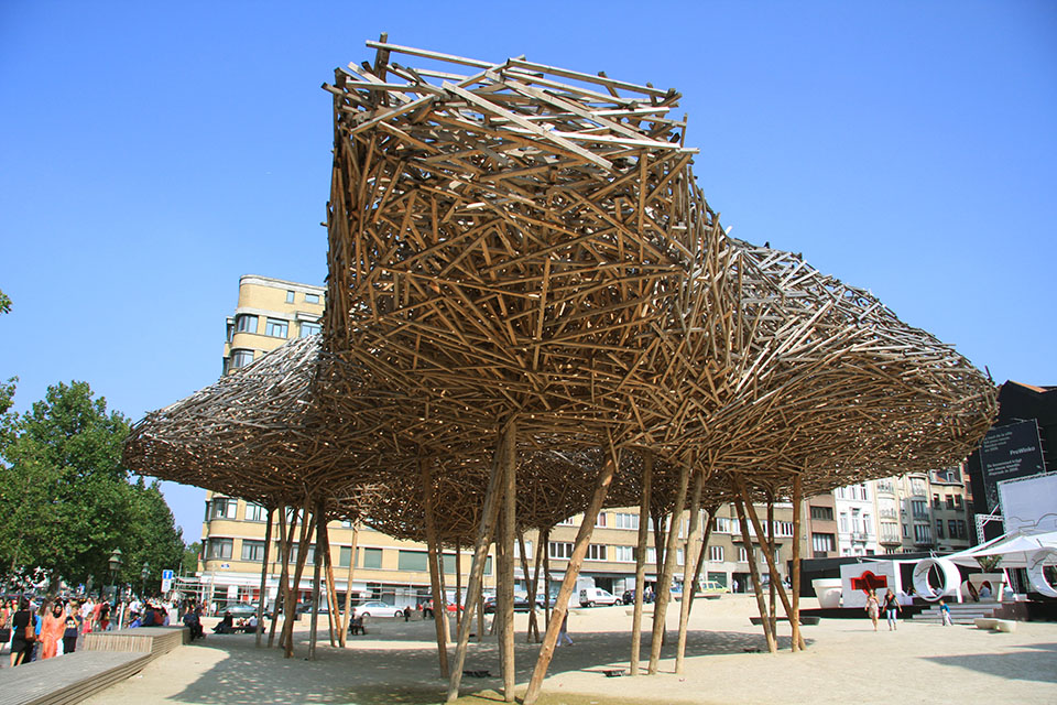 closeup.cityscape.by .Arne .Quinze 8 Arne Quinzes Wood Installations.