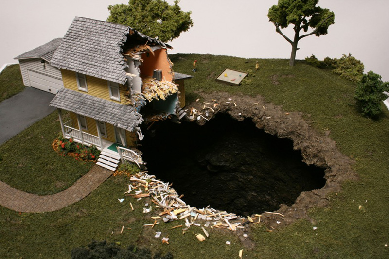 Thomas Doyle Surface to Air 3 940x626 Dioramas by Thomas Doyle.
