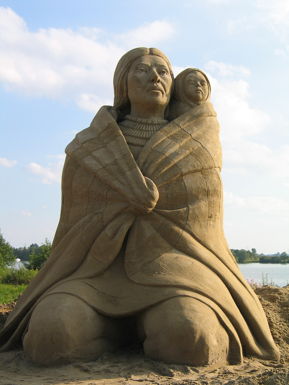 2970686939 47ed21858b o Amazing Sand Sculptures by Fergus Mulvany.