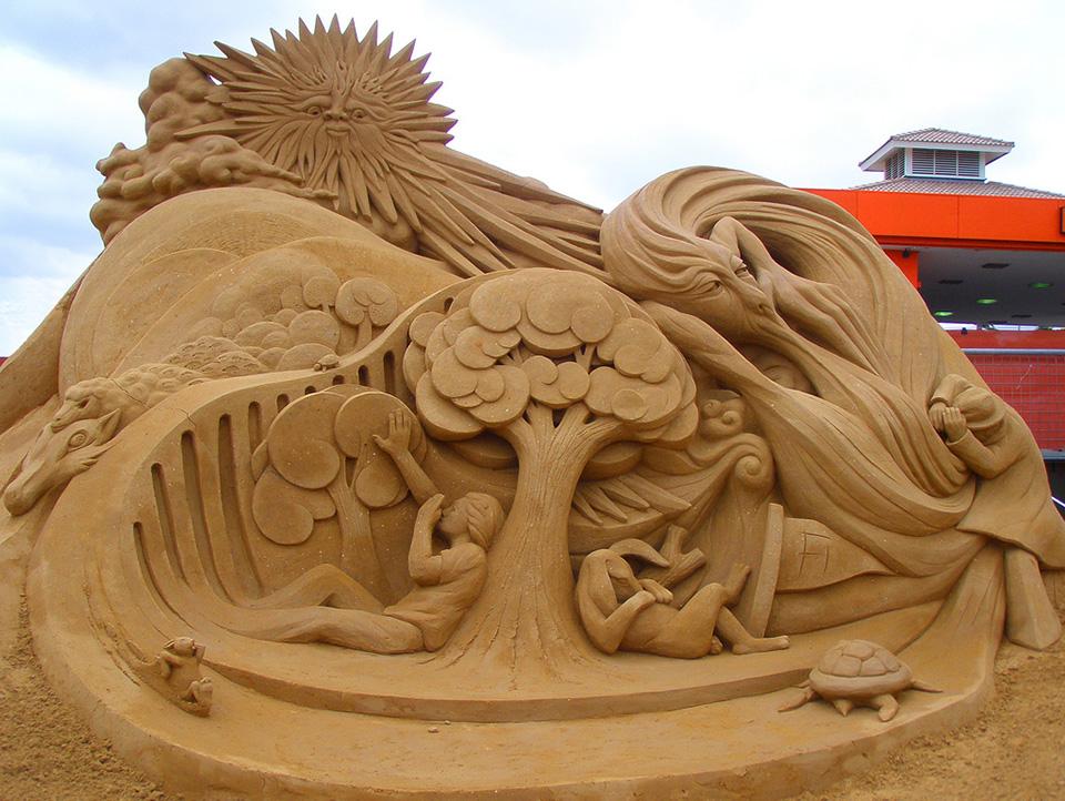 3731339773 0f6183b9c2 b Amazing Sand Sculptures by Fergus Mulvany.